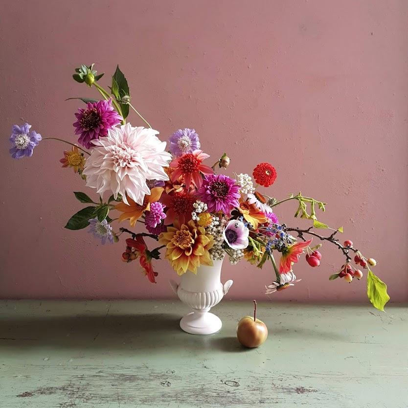 kukkakurssi-asetema-daalia-syksy-hilmala.jpg
