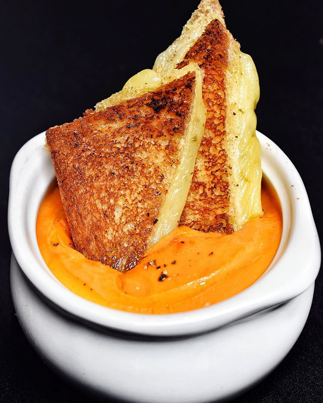 Adult #GrilledCheese + Tomato Soup🧀🍅 mm..mm..good🥰 #HFC