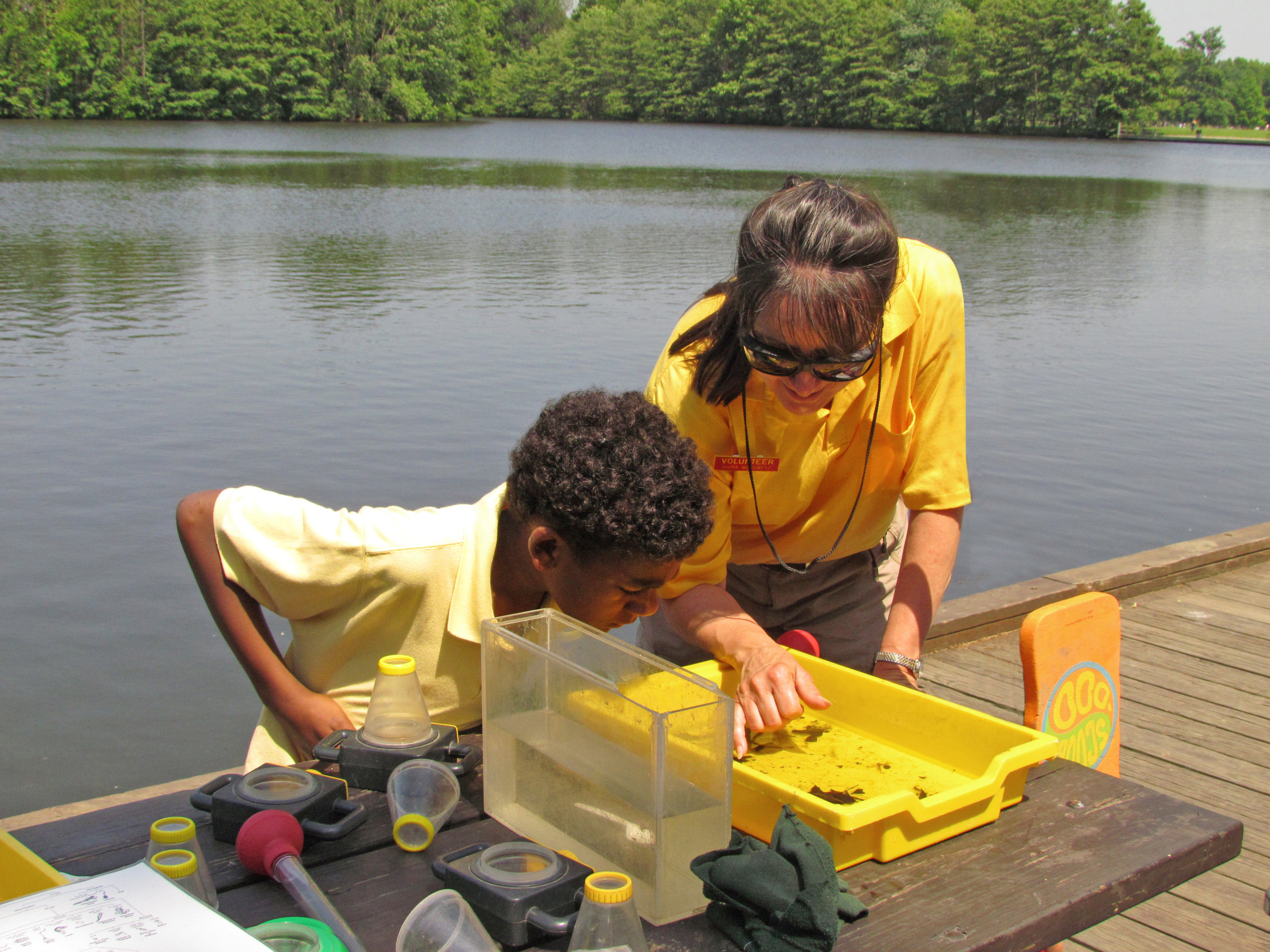 Pond safari program_SHW_volunteer and visitor_K Leach.jpg