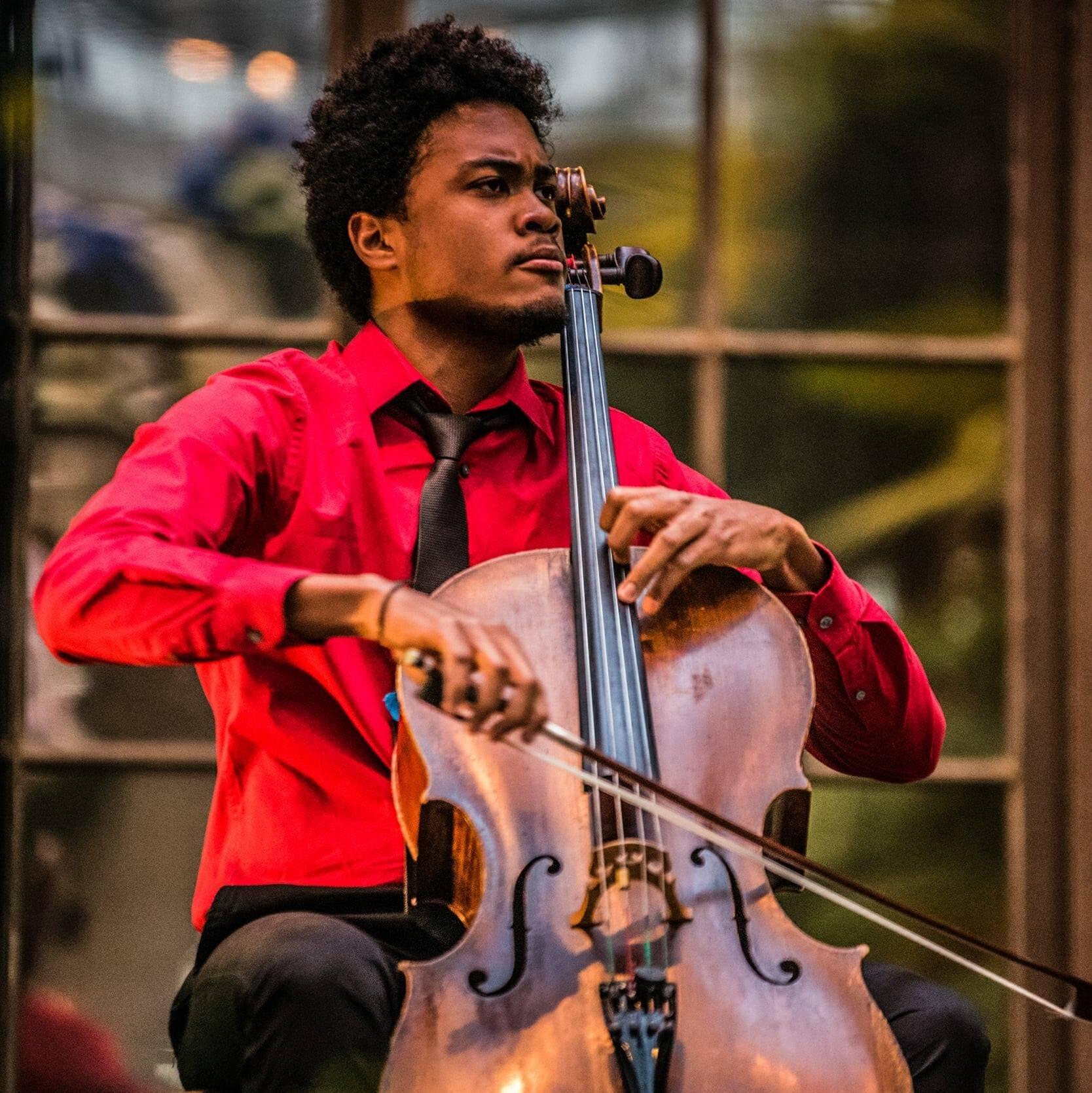 Ismael Guerrero Bombut, cello