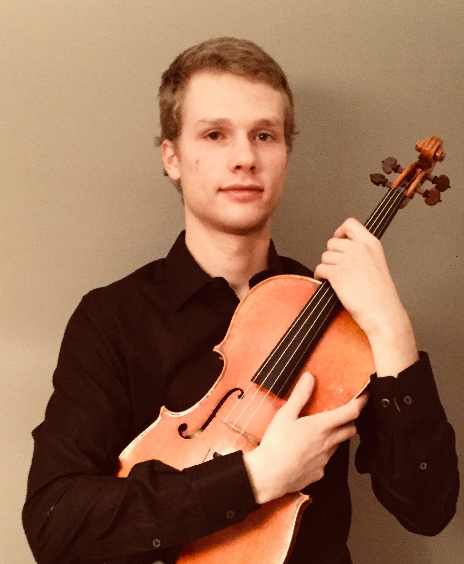 David Montreuil, viola