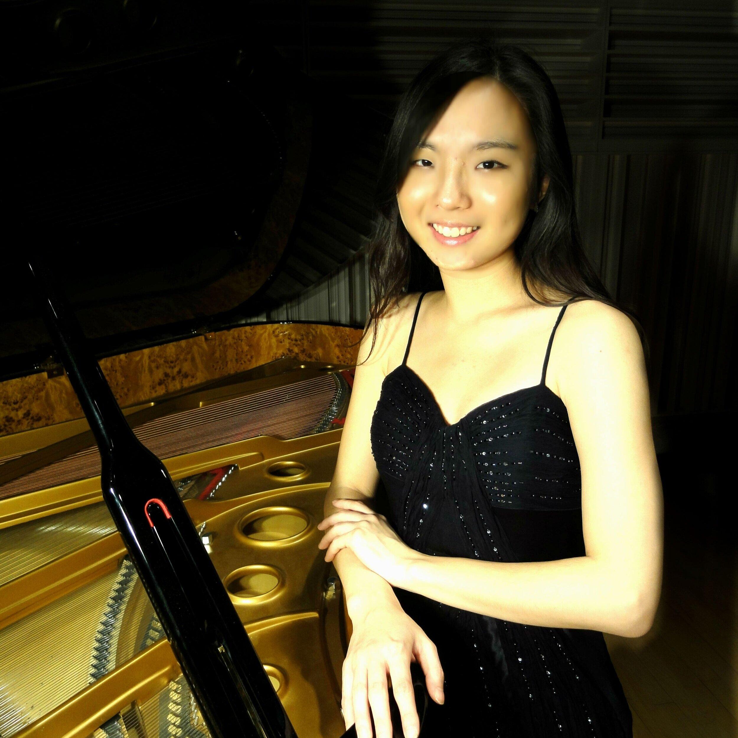 Jung-Yeon Yim, piano