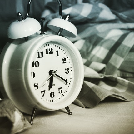 Is Night Shift Making you Sick, Fat, and Depressed? . Check out my blog post (link in bio) on the effects of night shift and why a balanced circadian rhythm is so important for your metabolism, your mental health, and your overall health! 😴😴😴 . . If you need help figuring out what to do about your dysfunctional sleep patterns, I'm offering 15% off all nutrition and lifestyle programs until the end of April! . . . . #sleep #nightshift #nurse #nurselife #insomnia #depression #nutrition #mentalhealthawareness #anxiety #healthy #nutritionist #hope