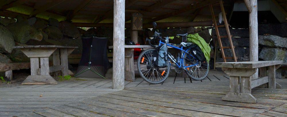 Pyörälle ja hyttysverkolle riitti tilaa.