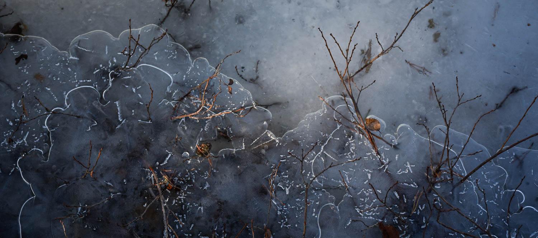 Jäisellä alustalla on taiteiltava pysyäkseen pystyssä.