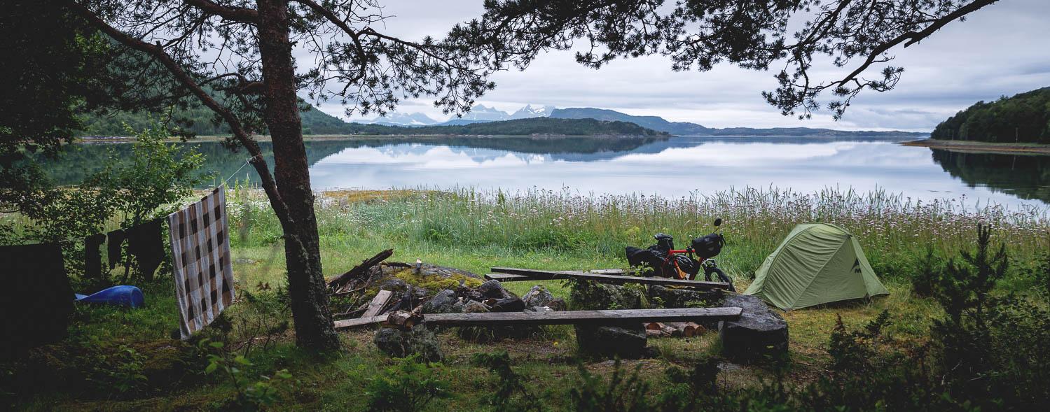 Pyöräretken paras osuus ei silti ole pyöräily, vaan leiriytyminen upeissa maisemissa.