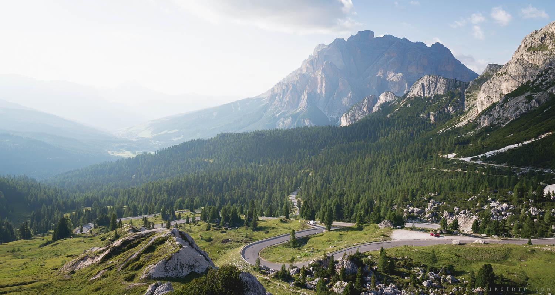 Näkymät Passo Valparolan huipulta.