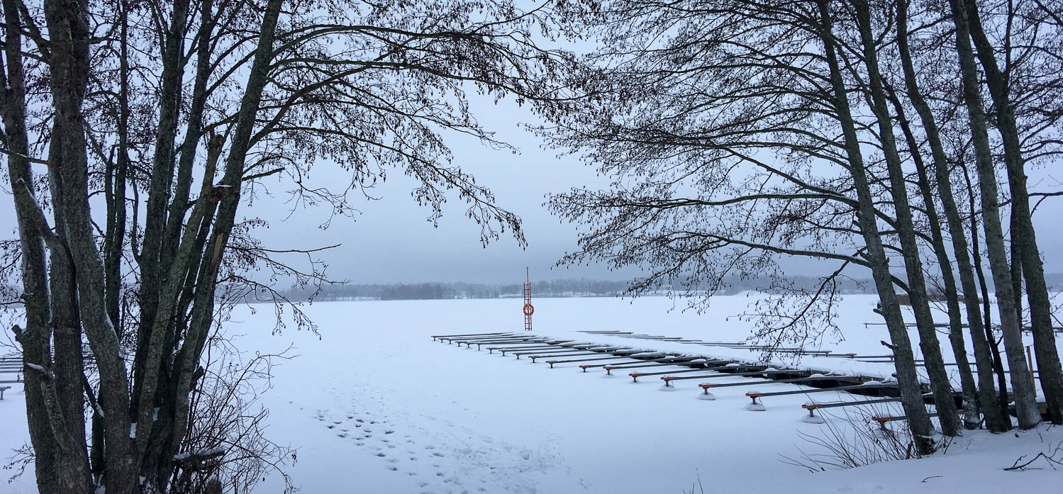 Venelaituri talvikunnossa.