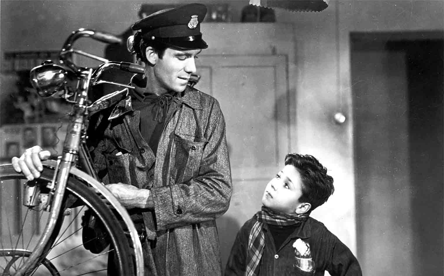 Bicycle Thieves  (1948, Vittorio De Sica)