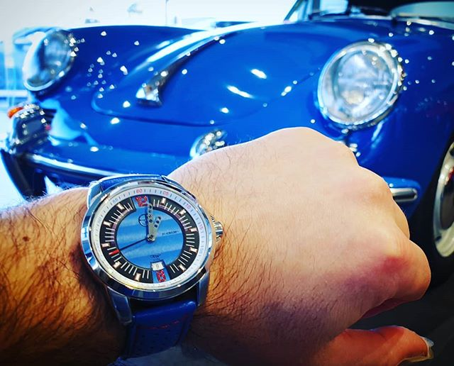 Feeling blue? Nothing a Porsche 911 & Grip  Auto Tourismo can't fix... ⌚ 🚘  _______________________________________________________________________________________ . . . #gripauto #itstimetogetagrip #carswithoutlimits #sportscartogether #carporn #carsofinstagram #caroftheday #becauseracecar #carculture #porsche #porsche911 #drivetheworld #drive #drivetastefully #carlifestyle #carsandcoffee #supercar #sportscar #luxurycar #melbourne #australia #911s #911turbo #carrera #porschelife #porscheclub #aircooled #watch #watchoftheday #carsandwatches