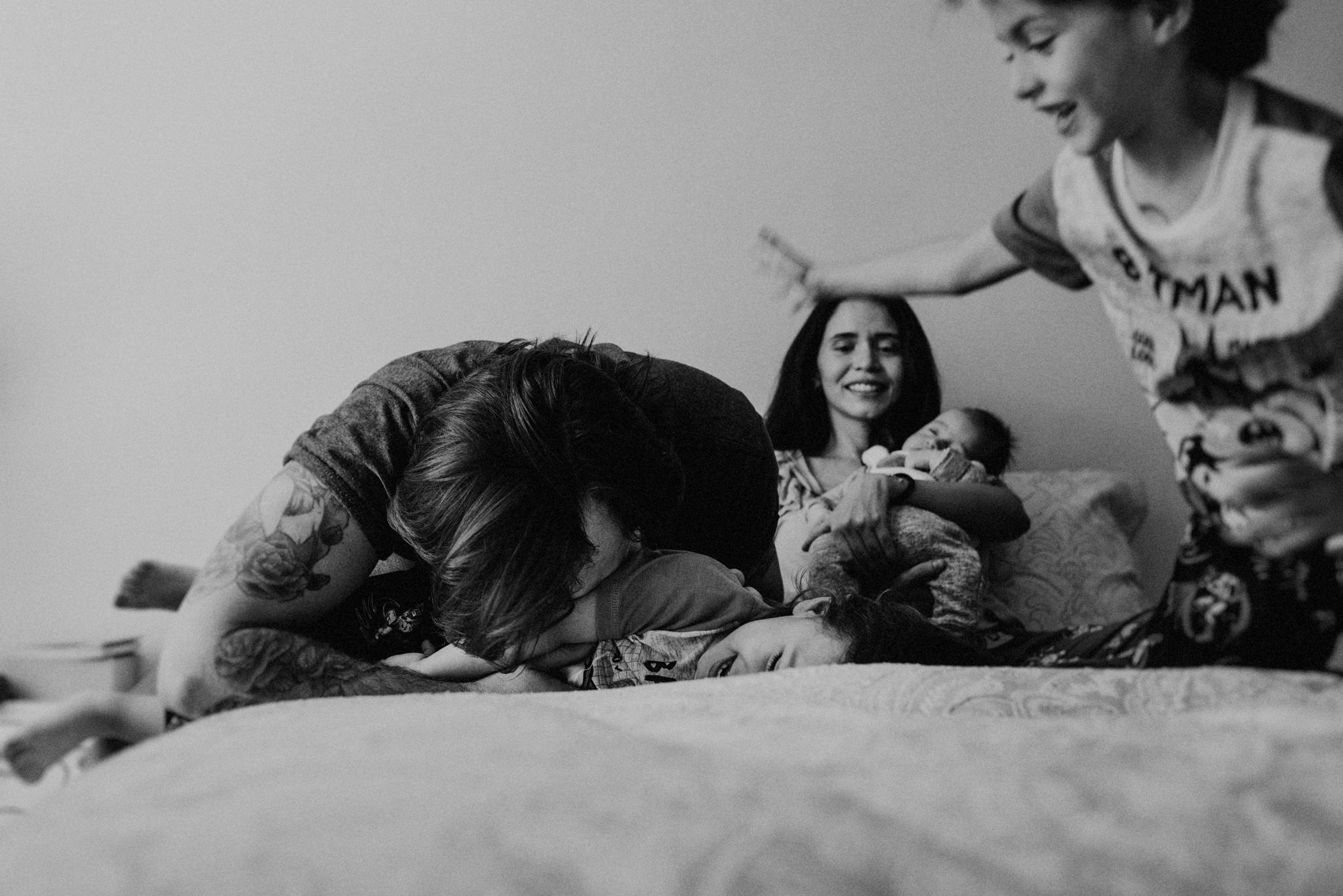 ANNA-SAUZA-FAMILY-SESSION-3-LITTLE-MONKEYS (140).jpg
