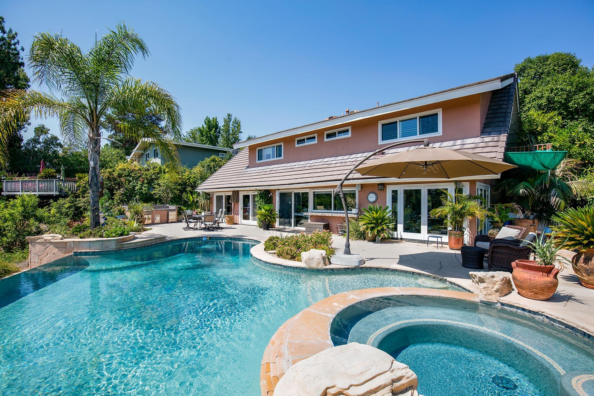 Incredible Entertainer's View Home, Tarzana, CA