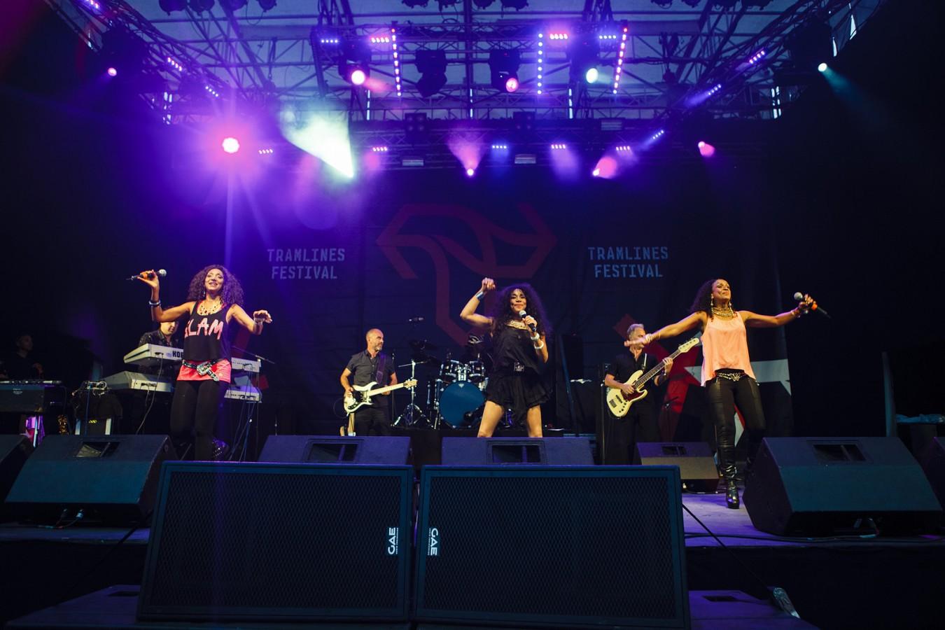 Sister-Sledge-Main-Stage-Tramlines-2014-Photo-Andy-Benge-1350x900.jpg