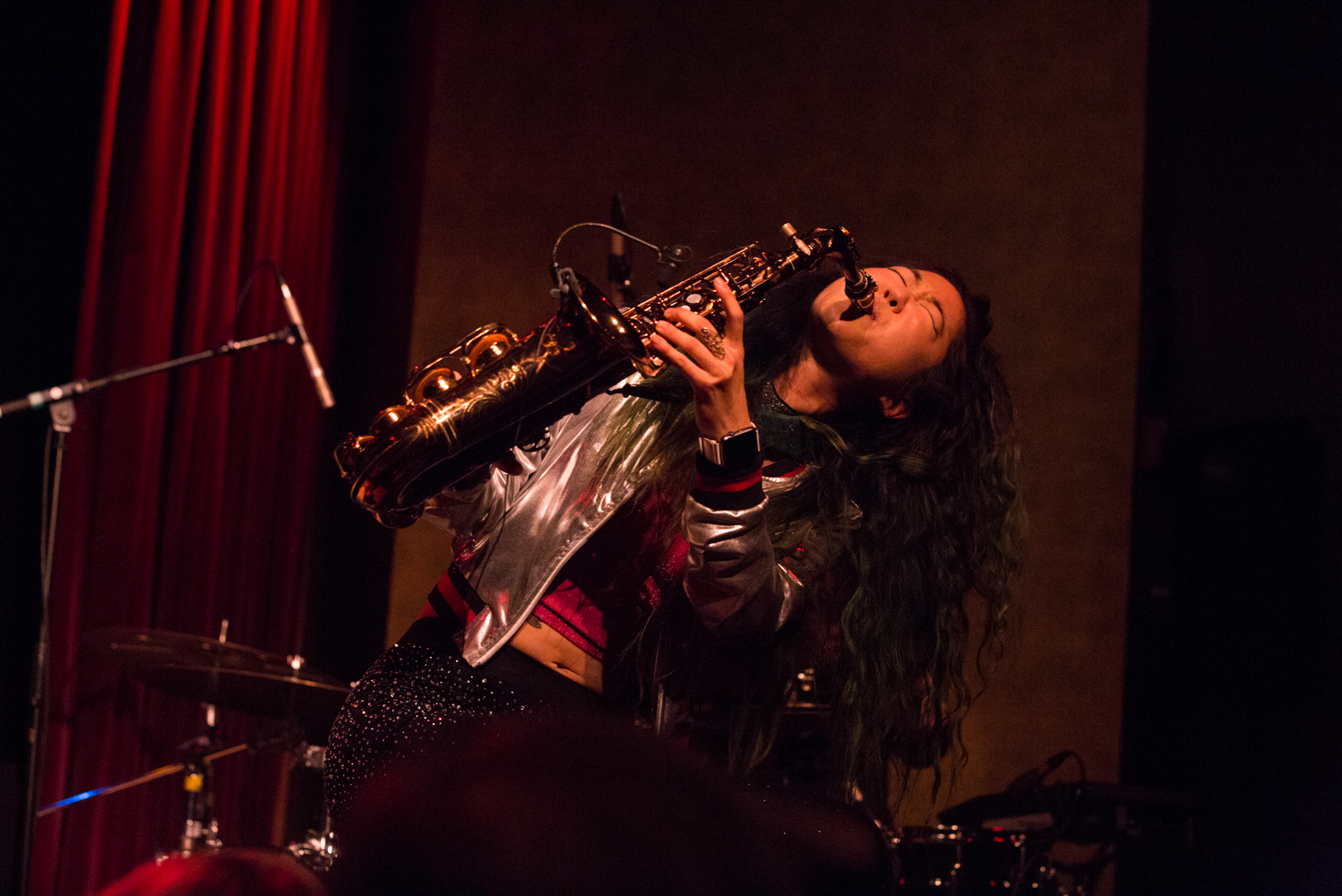 yoshis-oakland-music-show-grace-kelly-saxophonist.jpg