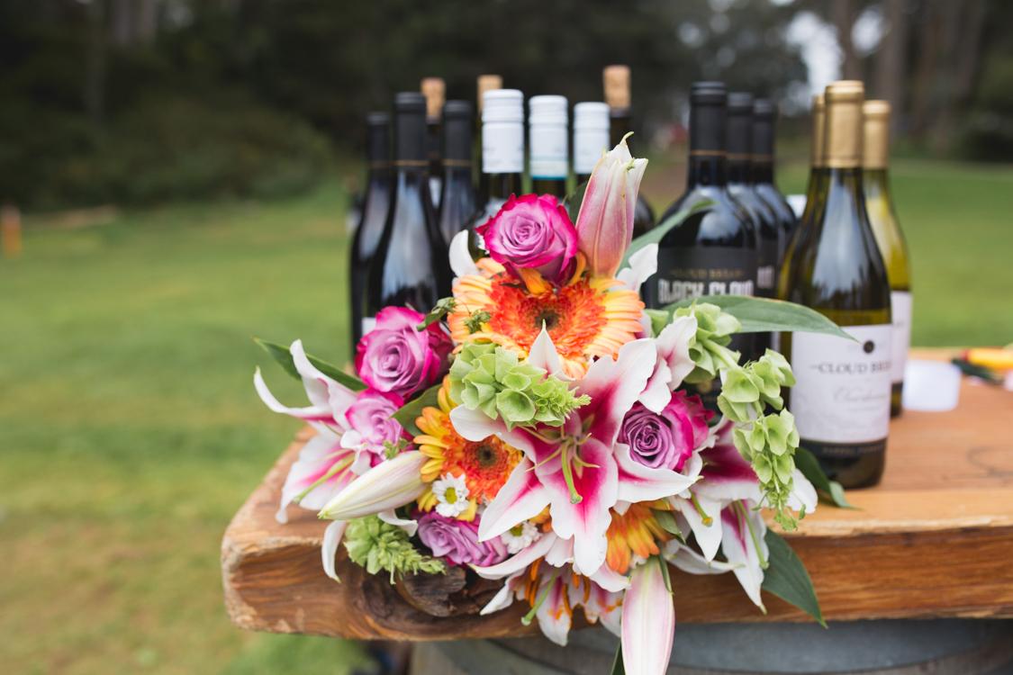 bouquet_sfflowers_weddingbouquet_outdoorbride_ggp_goldengateparkwedding.jpg