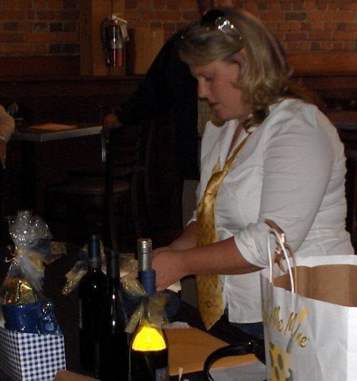 Heather Glendinning (water polo), 'event' planner/organizer prepares raffle items