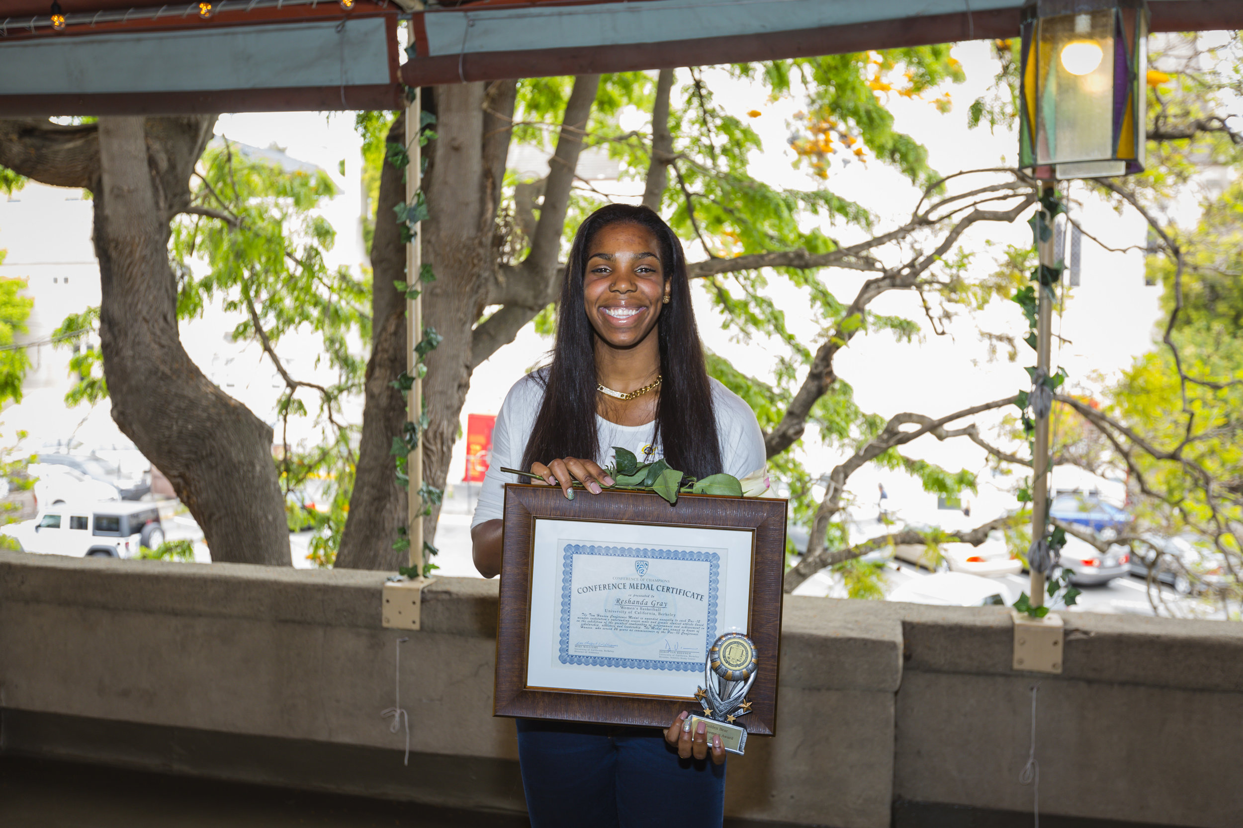 15 Honors Lunch - Reshanda Gray - Tom Hansen Medal.jpg