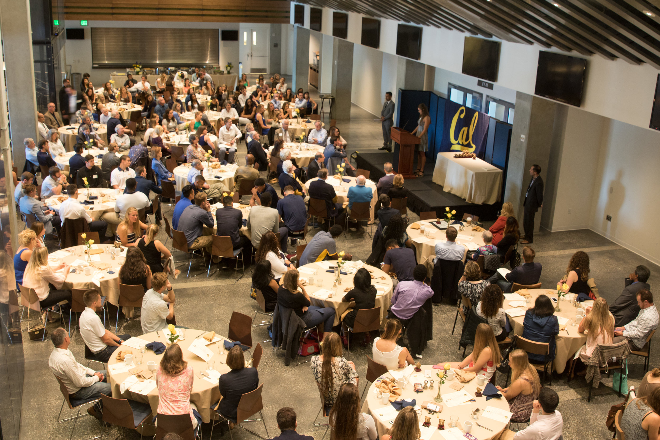 16 Honors Lunch - crowd 058-DZ.jpg