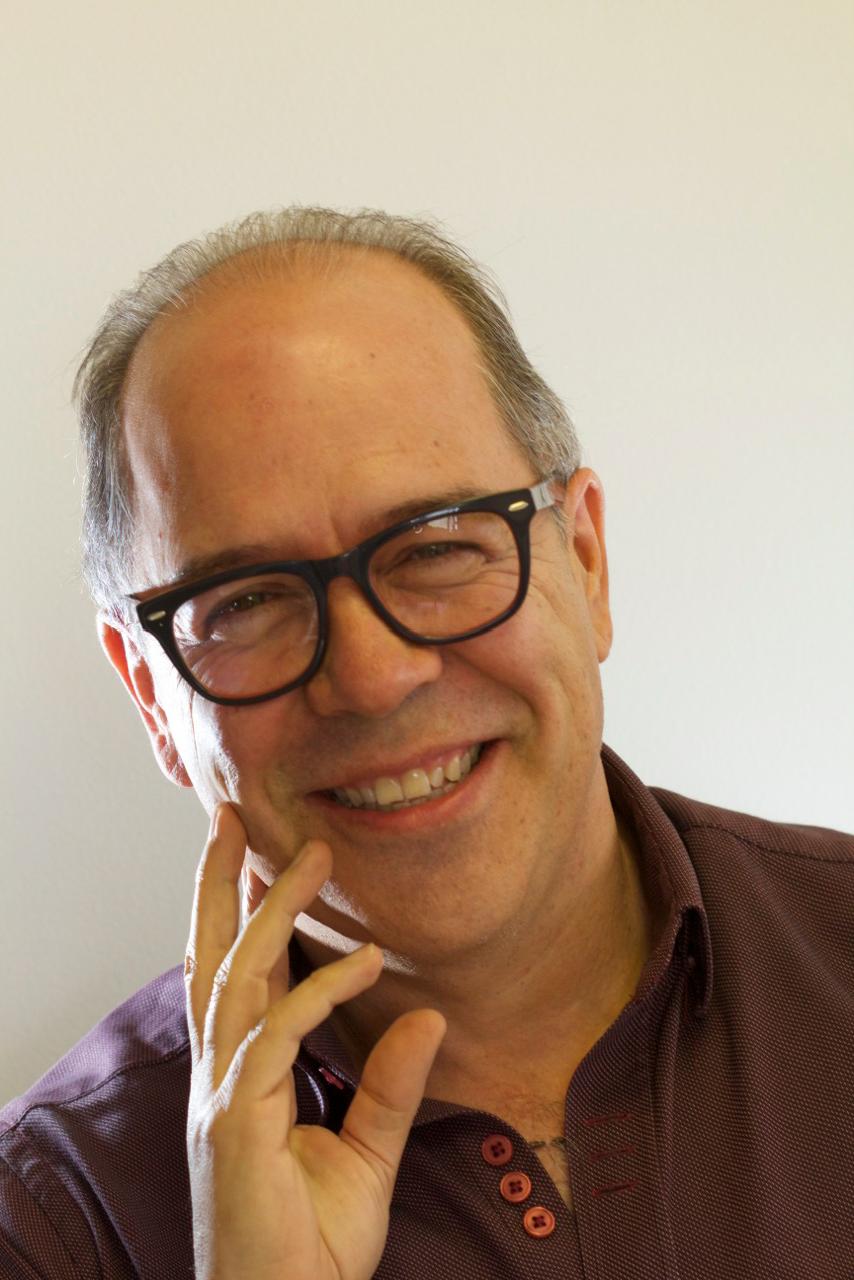 Dr. Gabriel Campuzano