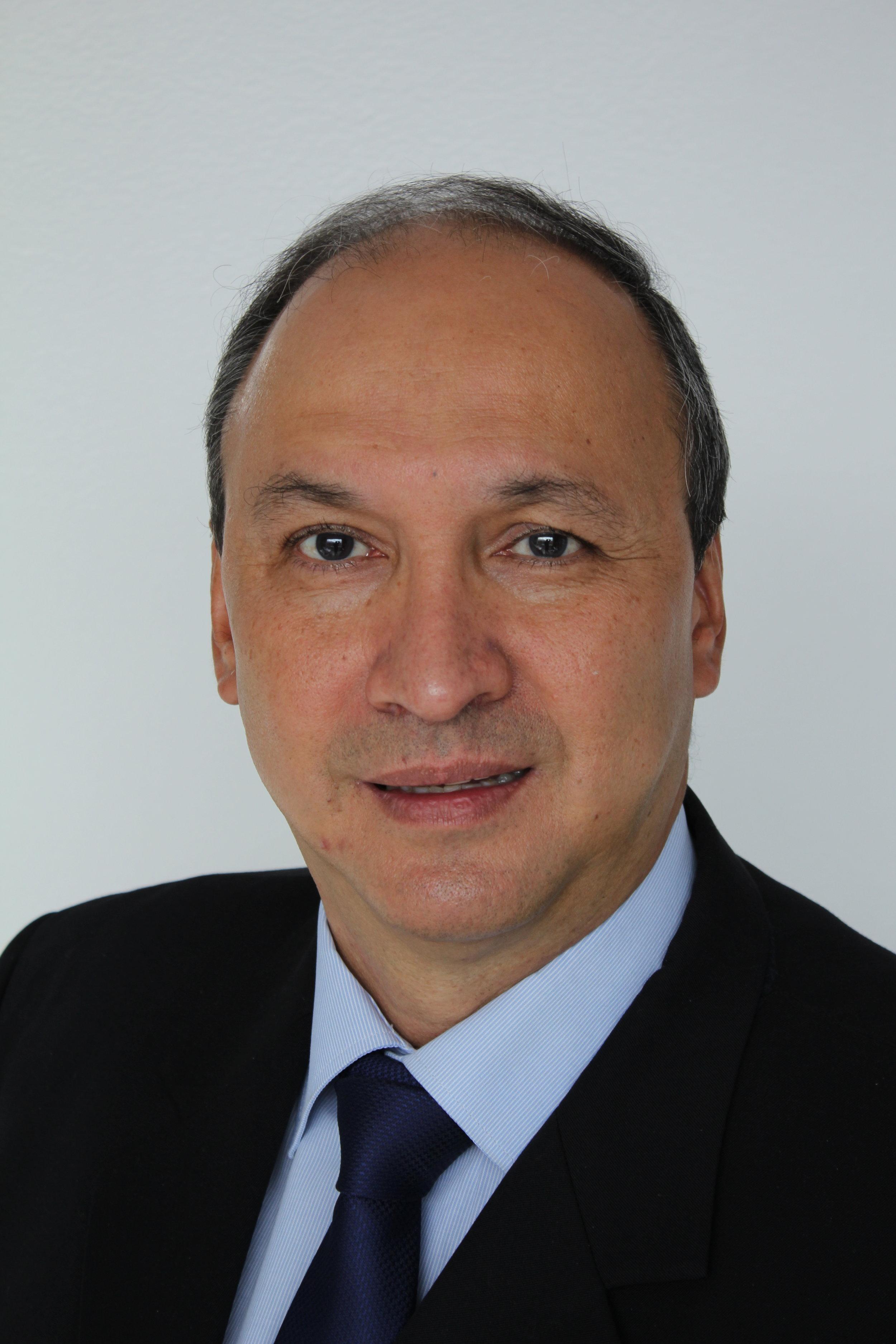 Dr. Omar Vega