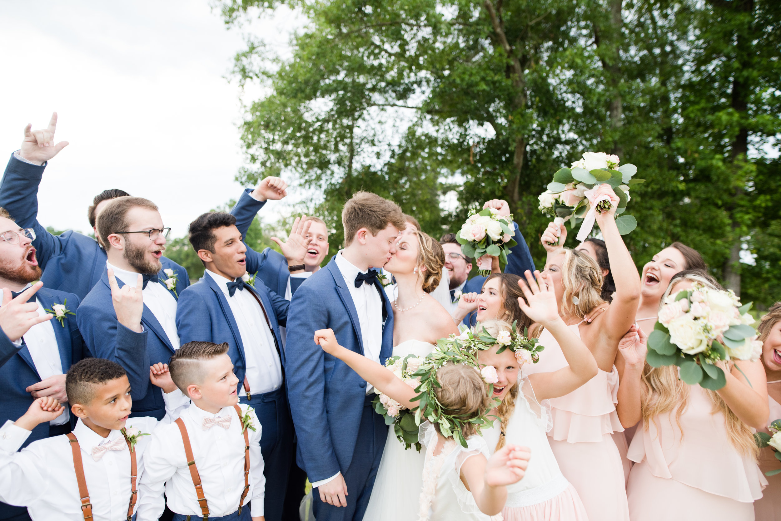The Barn at Bridlewood wedding in Hattiesburg, Mississippi (MS) in June | Bride and Groom with Wedding bridal party