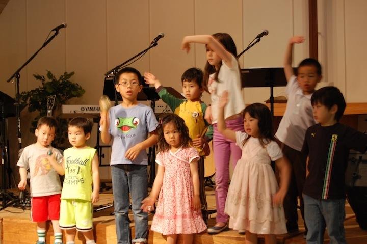 children_dancing_all.JPG
