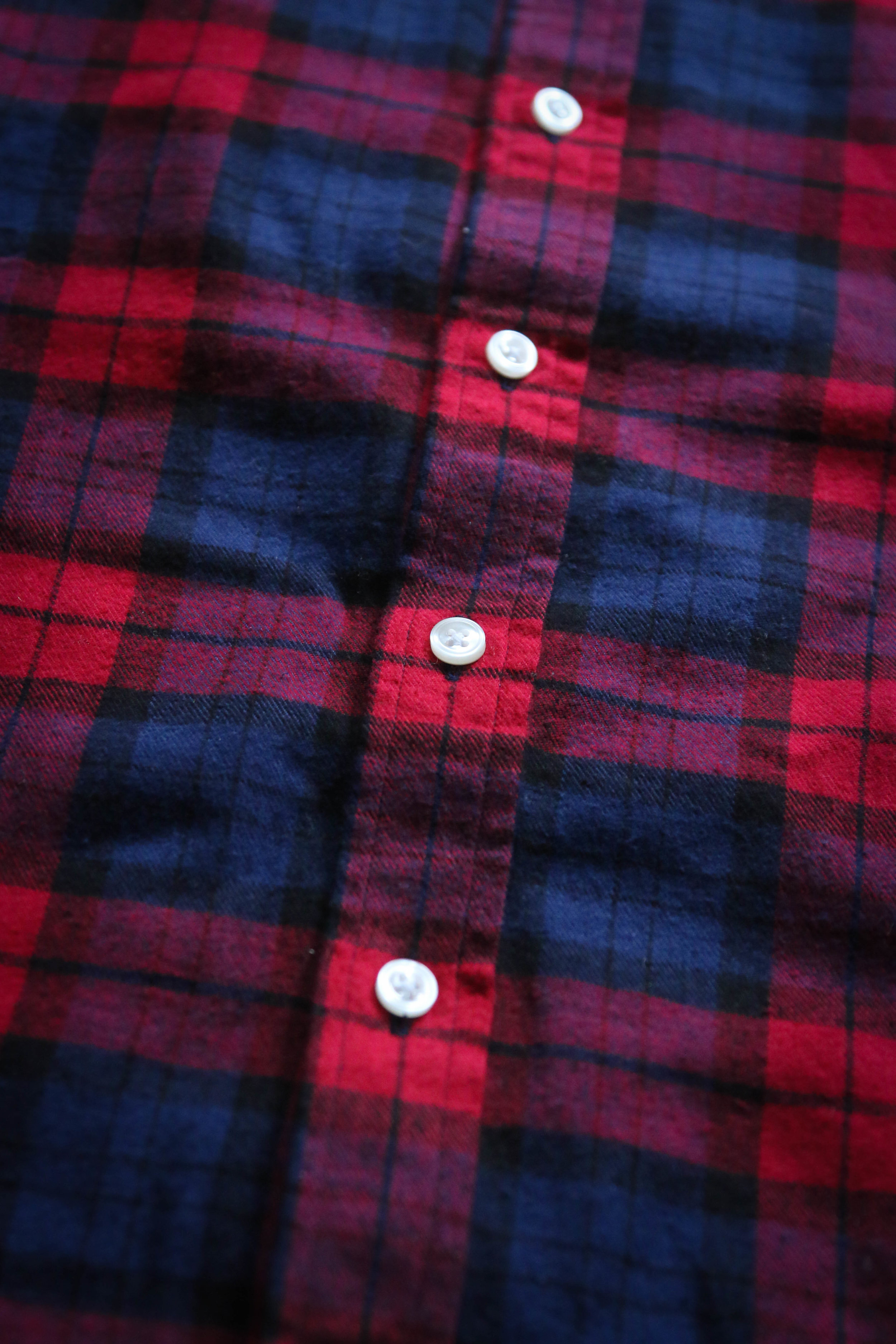 My favorite mid-weight flannel - A smooth flannel ready for a weekend getaway or tucked in for the office.