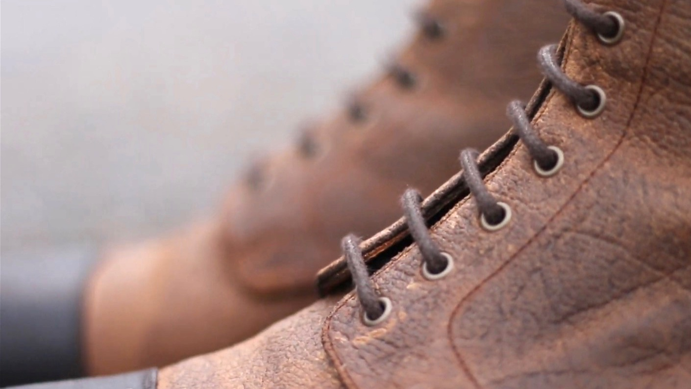 Make sure the laces are not touching when lacing up your boots- it means they're too big!