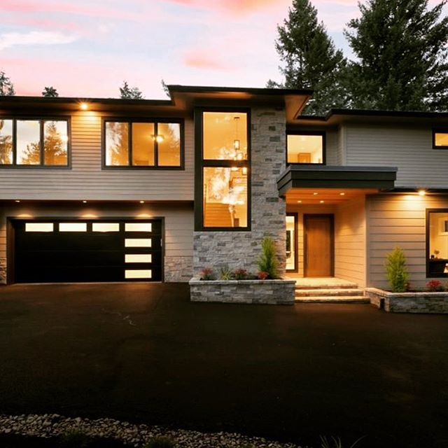 🏠⭐️Check out this GORGEOUS home in Lake Oswego! ➡️3096 Wembley Park Rd // $1,499,500  Stunning Lake Oswego new construction by Stoneridge Custom Dev in desirable Uplands neighborhood. Contemporary open floor plan with premium finishes, SS Appliances and expansive wall of windows that open up to green space. Features indoor/outdoor living, metal roof, spacious bedrooms, HUGE master closet, and oversized 2 car garage. Den on main floor could be additional guest bed. 4 Lake Easements. What more could you want??? 📲Call me for a private showing! Stacy @ 503.407.7525🎉