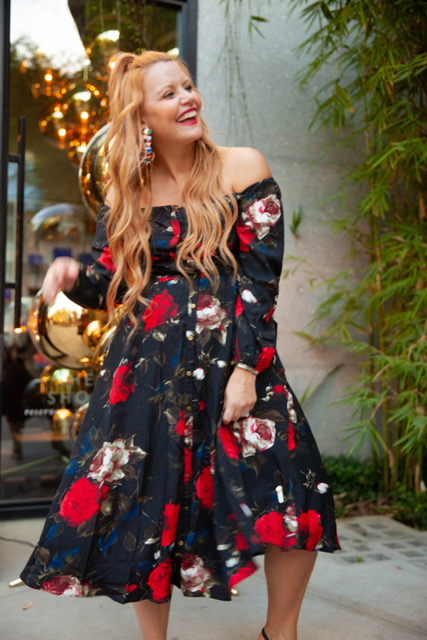 I can't seem to give up my love for florals, even in the fall, and thank heavens for this cute dress from Nordstrom! It has a dark edge to it but the roses are gorgeous!    Dress: Off the Shoulder MiniDress by Chelsea28: (Available at Nordstrom): $139