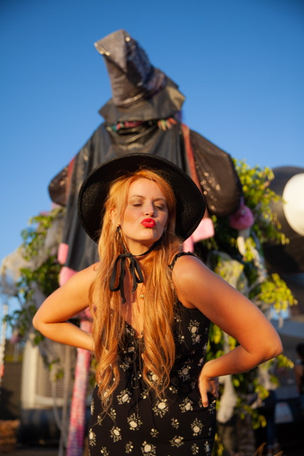 Kiss for this witch please!