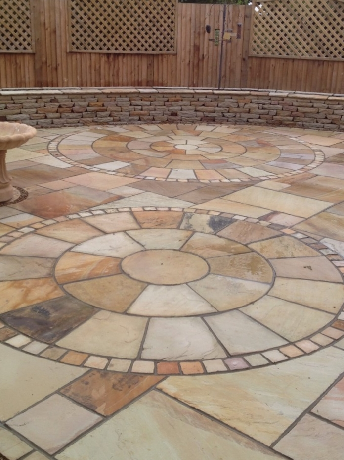 Indian Sandstone Circles -   Click for colour choices, pricing and more information.