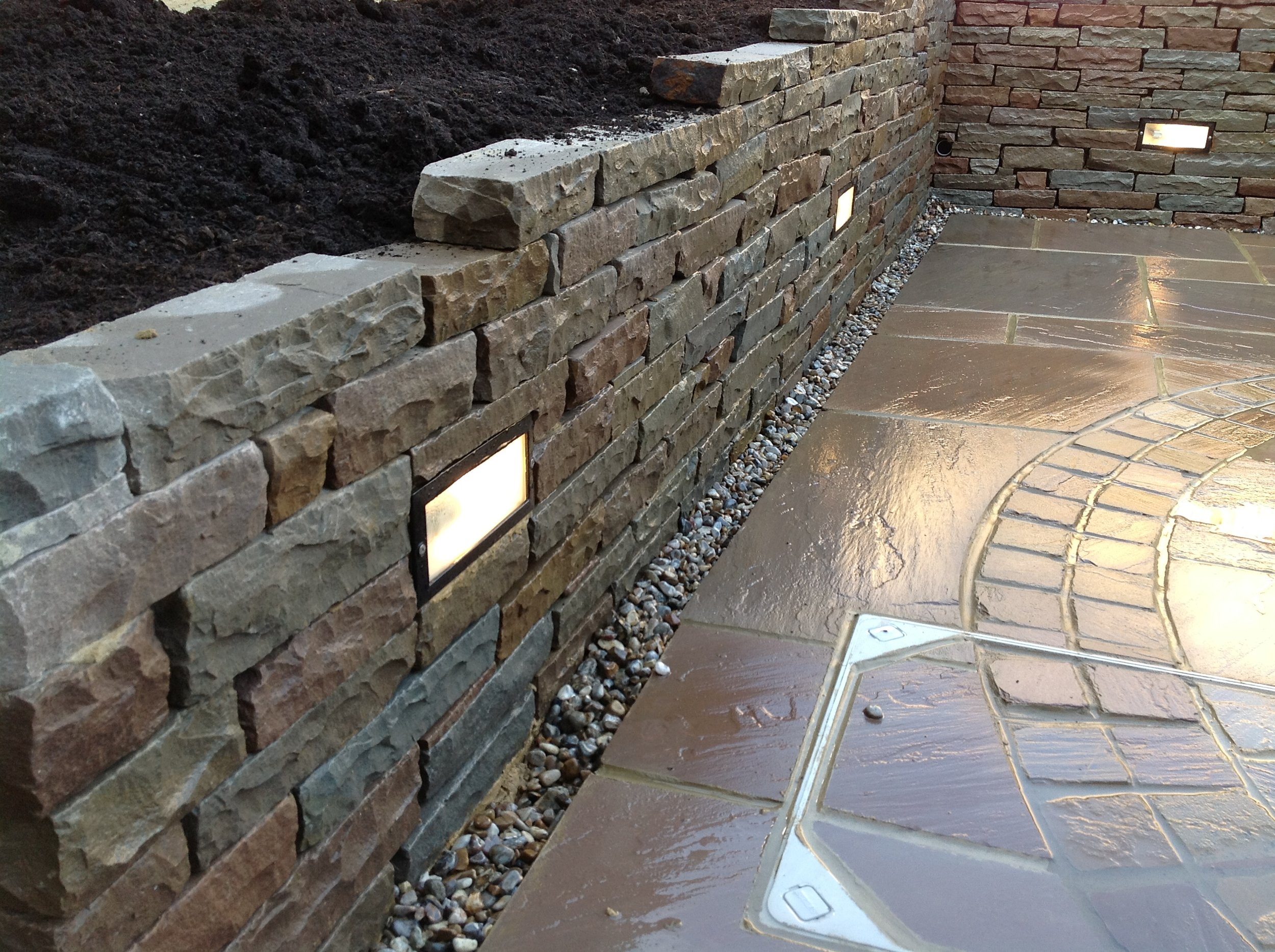 Raj Mix Indian Sandstone Tumbled Walling