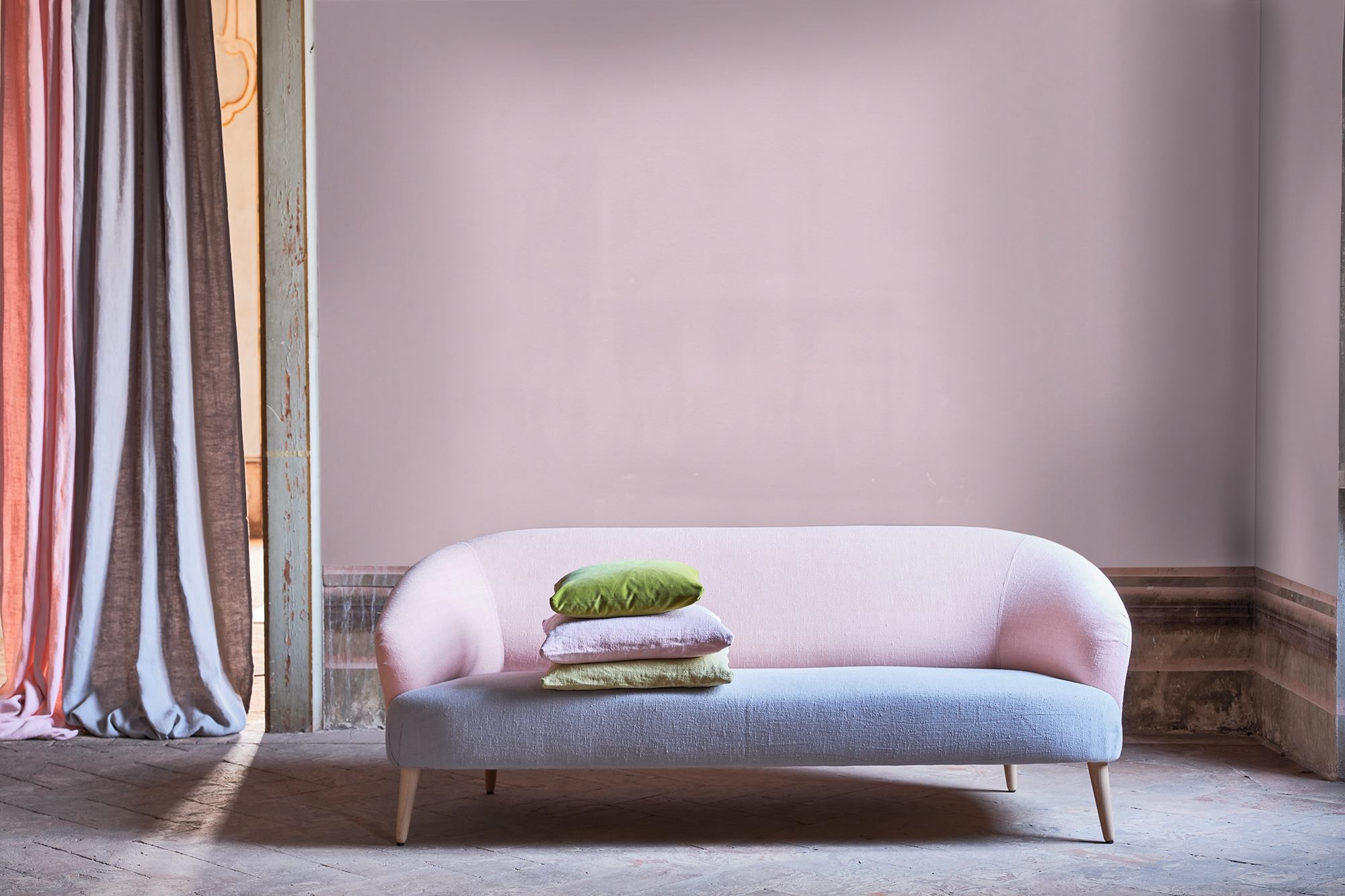 sofa 400.jpg