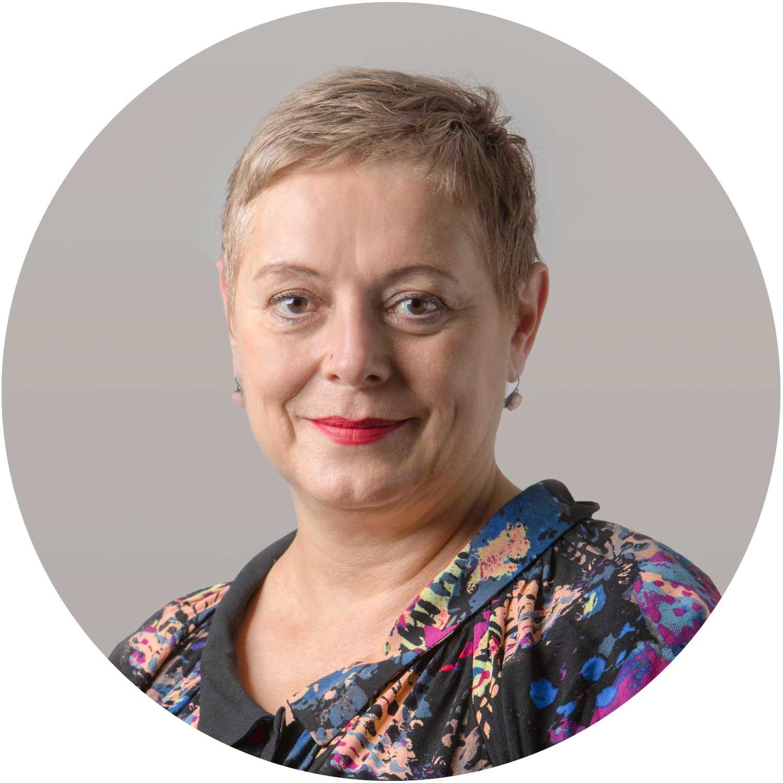 Margrit Lienhart - Co-Gesamtleitung a.i. SORALeitung SORA für FamilienSORA für junge Erwachsene und Familien