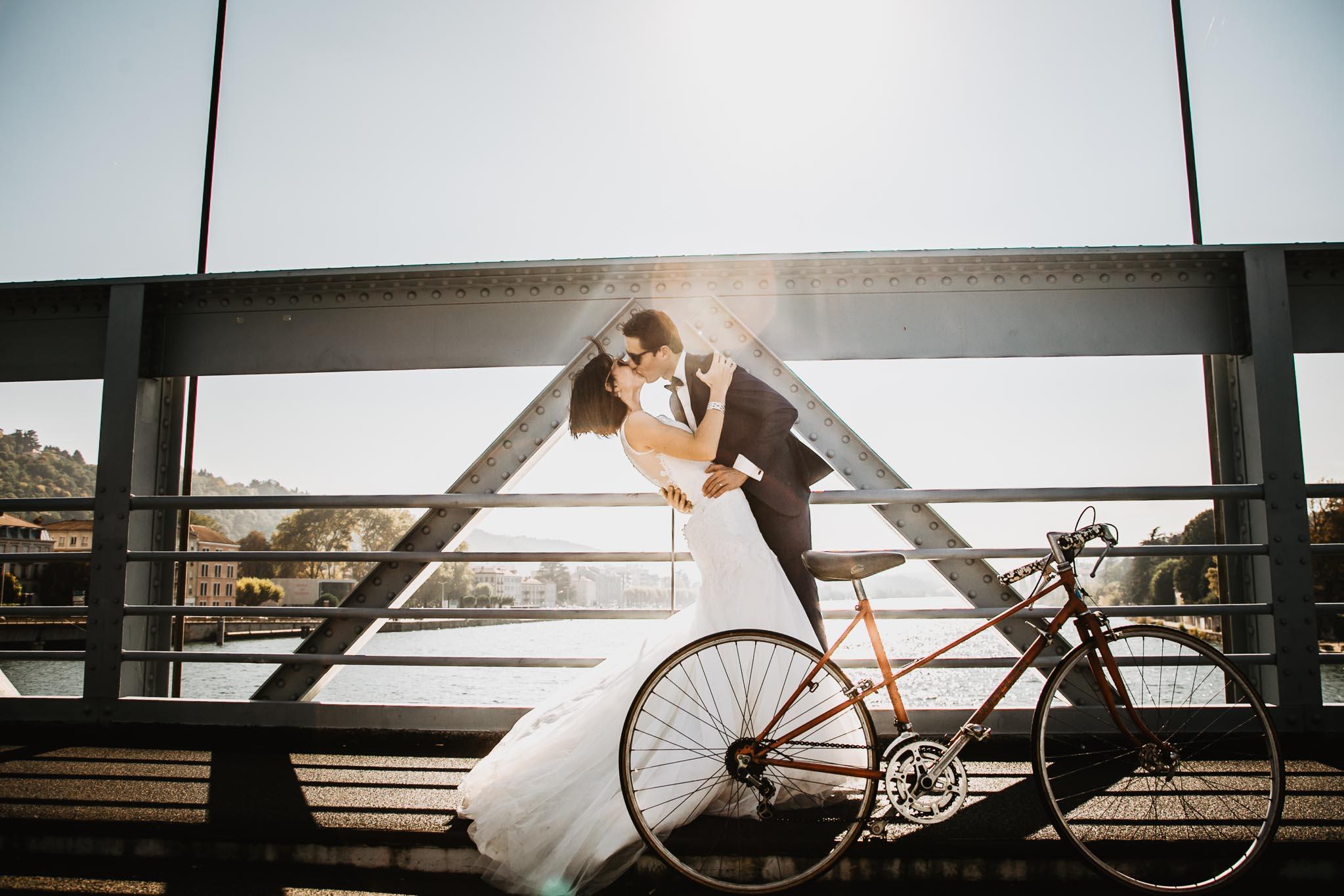 séance photo rock the dress à vélo à Vienne