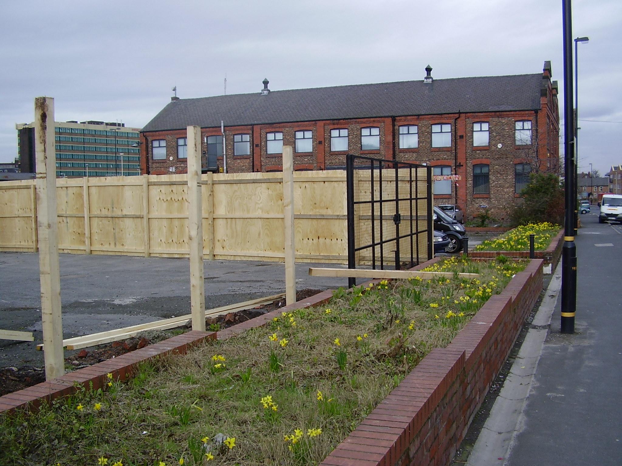 dividing brick wall Between  ATS and Compund 025.jpg