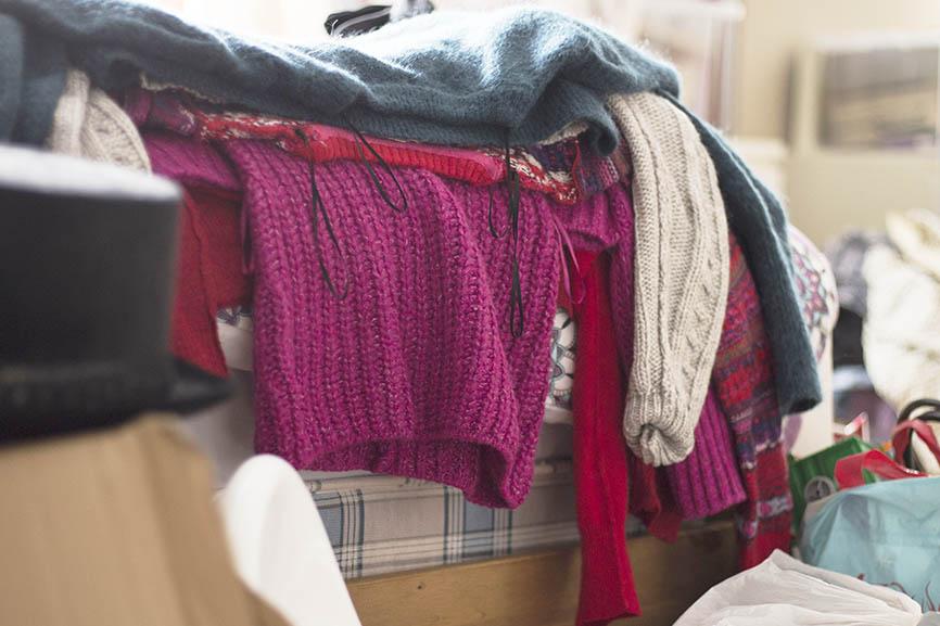 family photographer Aberdeen Kondo clothes pile