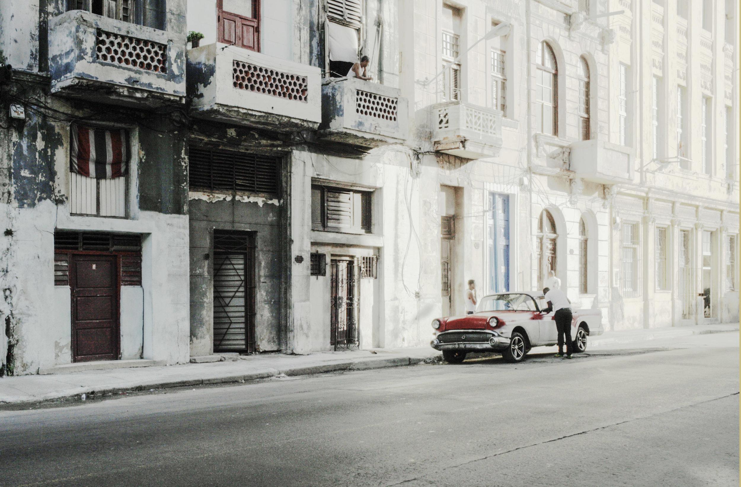 Enzo Obiso,  L'Havana , 2015, stampa fine art giclée, 40 x 50 cm, courtesy Enzo Obiso