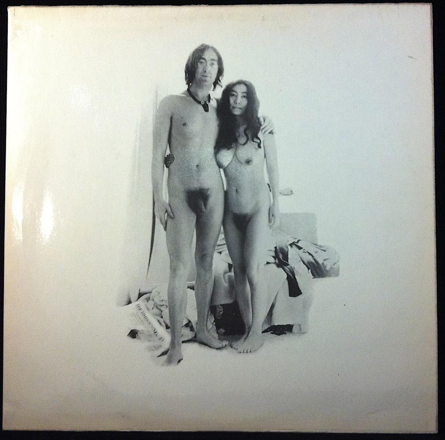John Lennon,  Vedo nudo , 1968, c-print, 32 x 32 cm