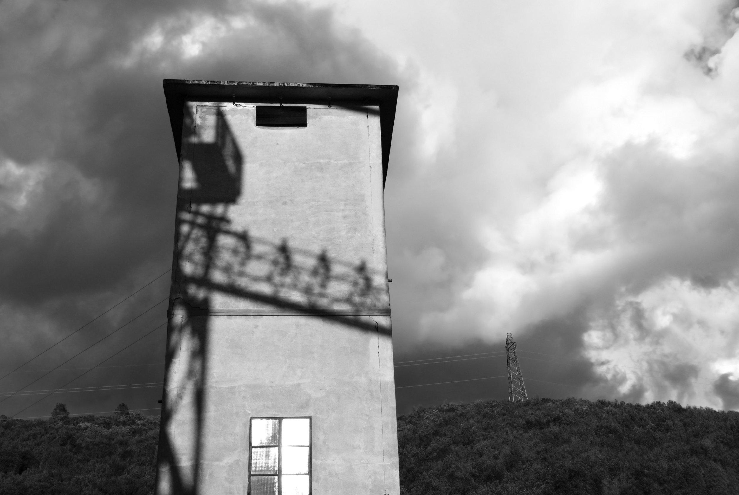 Angela Pietribiasi,  Paralleli, interferenze, sparizioni,  2012-2019, stampa fine art ai pigmenti su carta cotone, 50 x 30 cm, courtesy Angela Pietribiasi