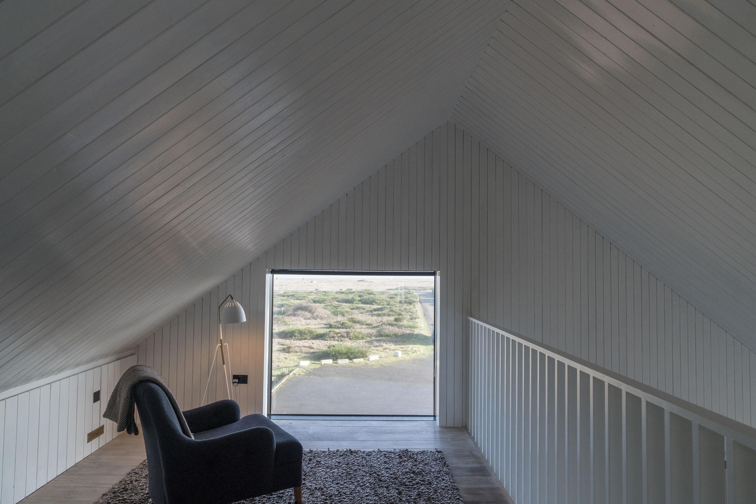 Shingle-house-fiona-burrage-interiors-window.jpg