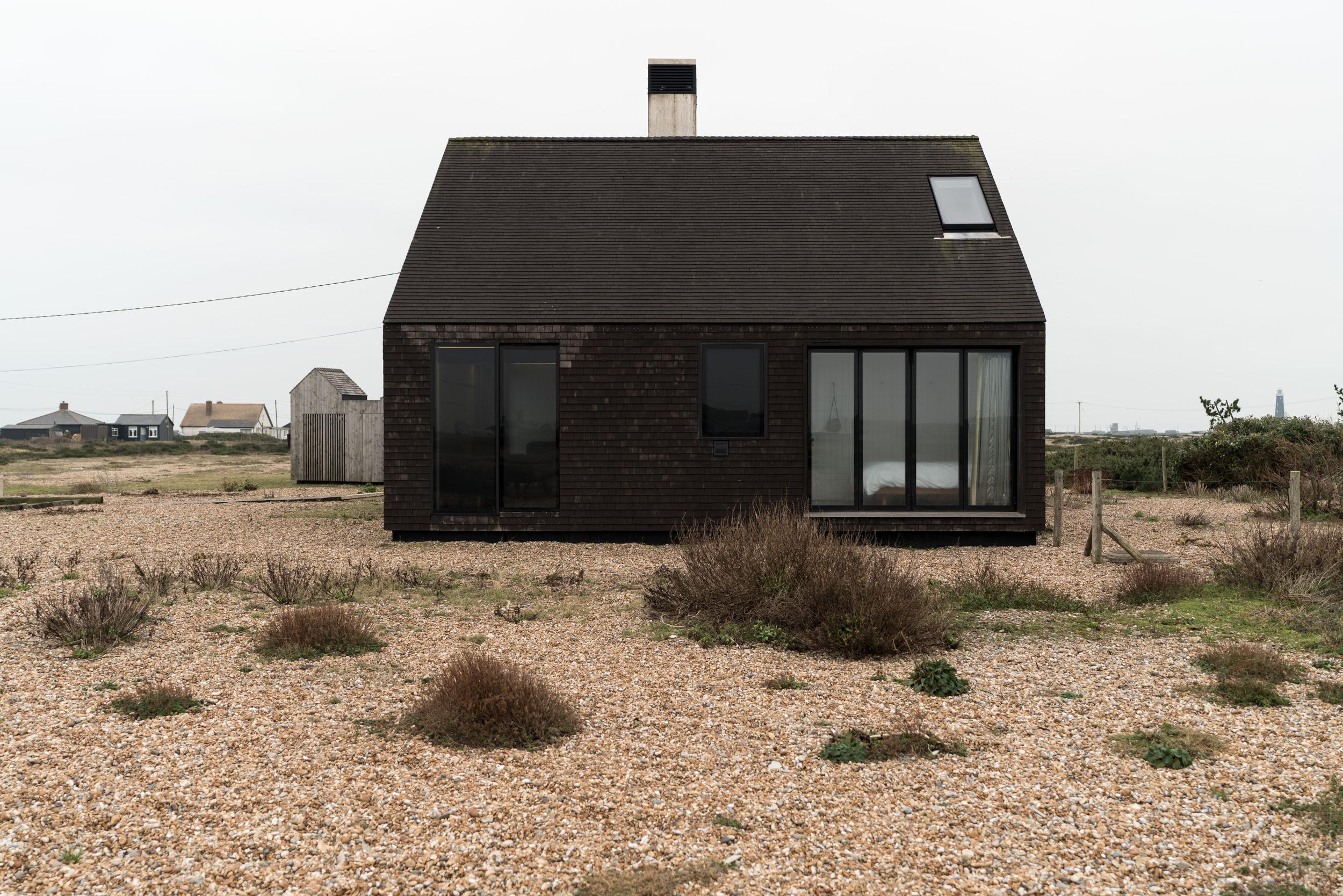 Shingle-House-Dungeness-Fiona-Burrage.jpg
