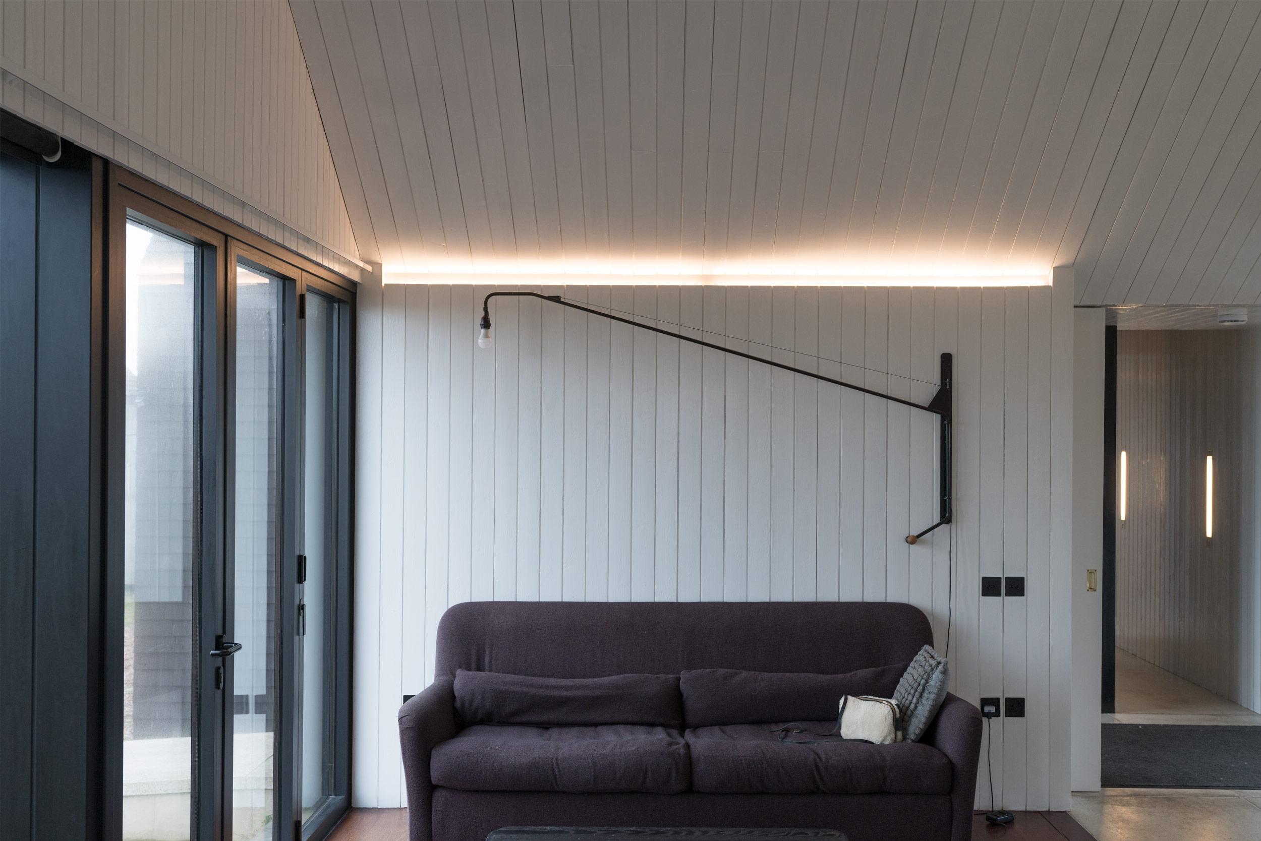 Shingle-House-Interiors-Living-Room-Fiona-Burrage.jpg