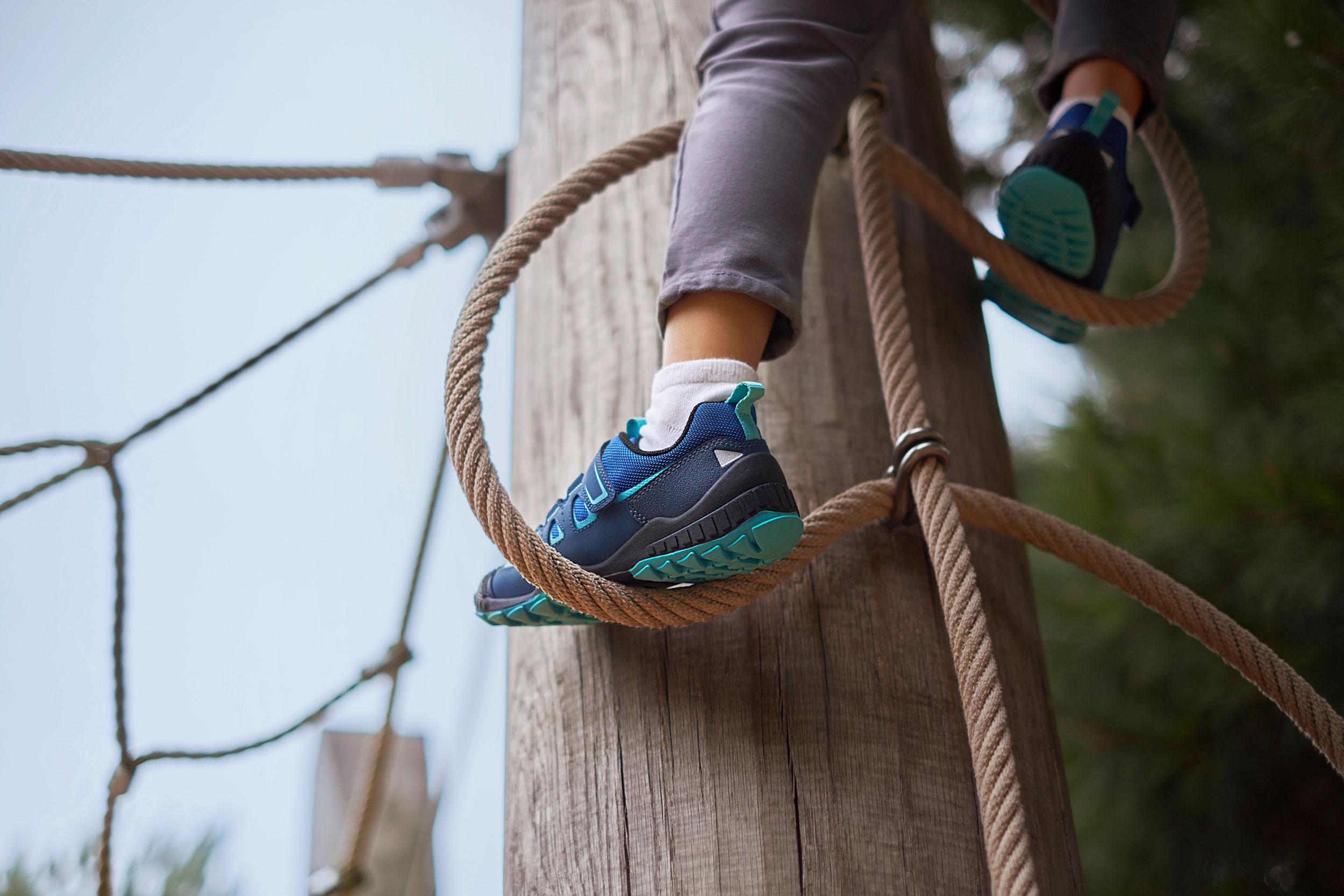 Start-rite-shoes-Fiona-Burrage-norwich-photographer-climbing.jpg