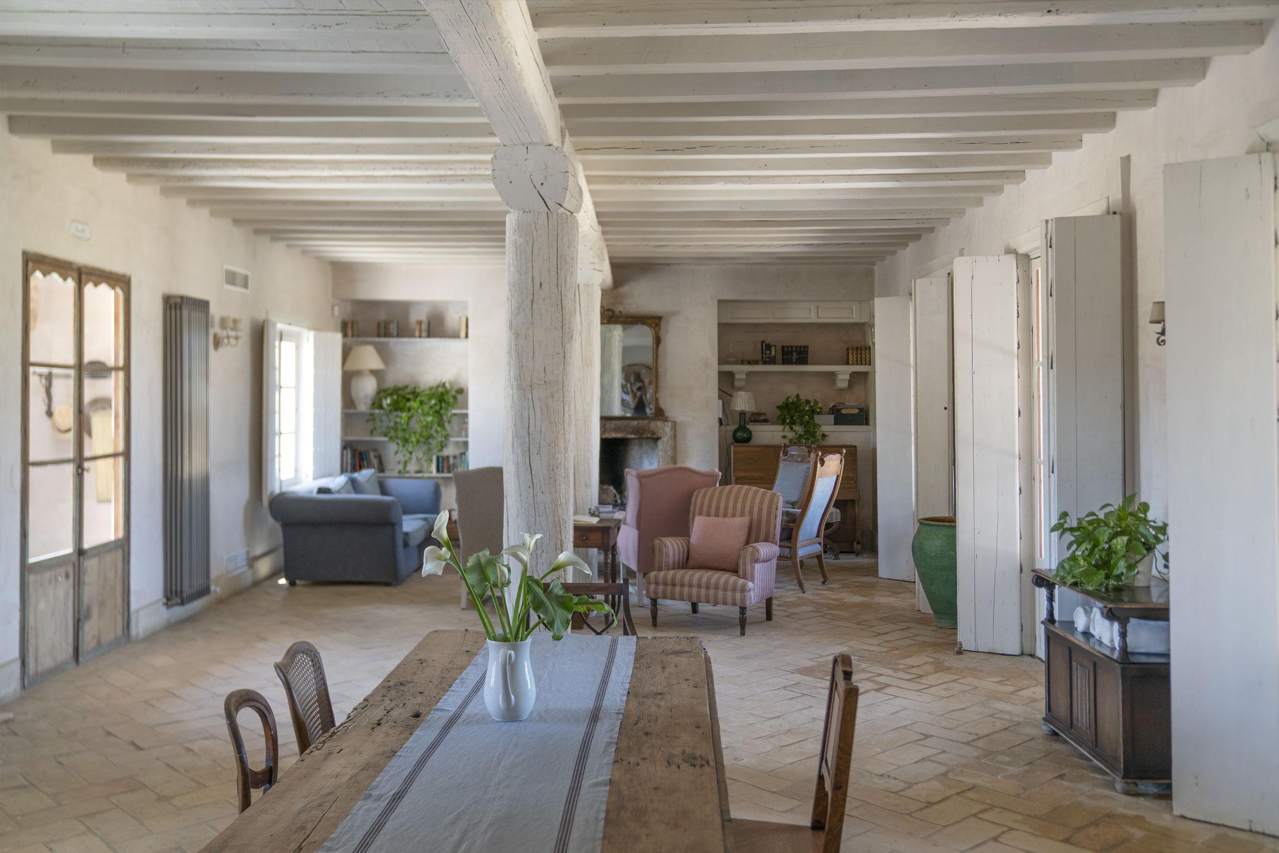 Casa-La-Siesta-Spain-Fiona-Burrage-Photography-reception.jpg