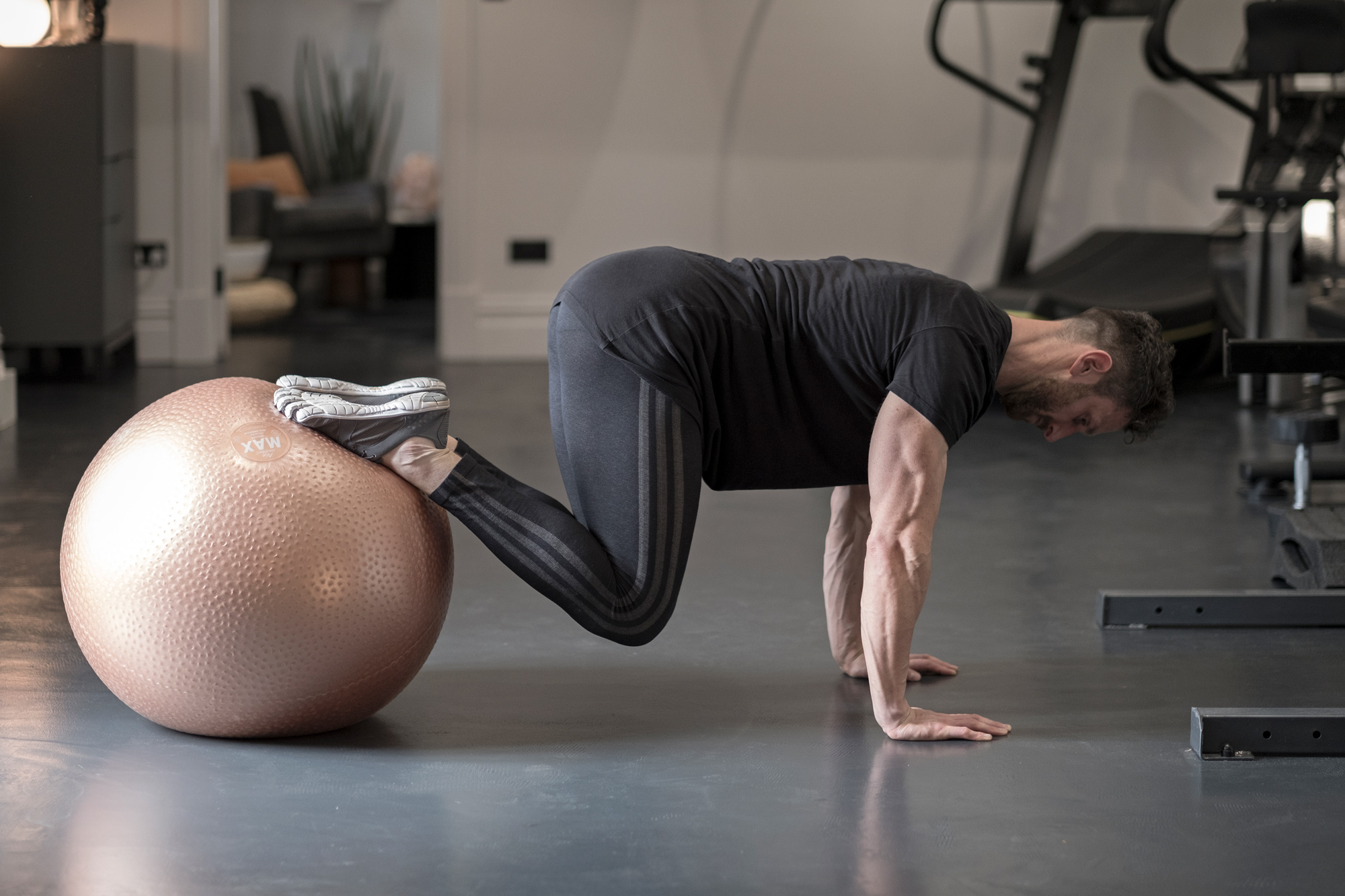 Fiona-Burrage-Ball-Gym-Paradox-Norwich-Photography.jpg