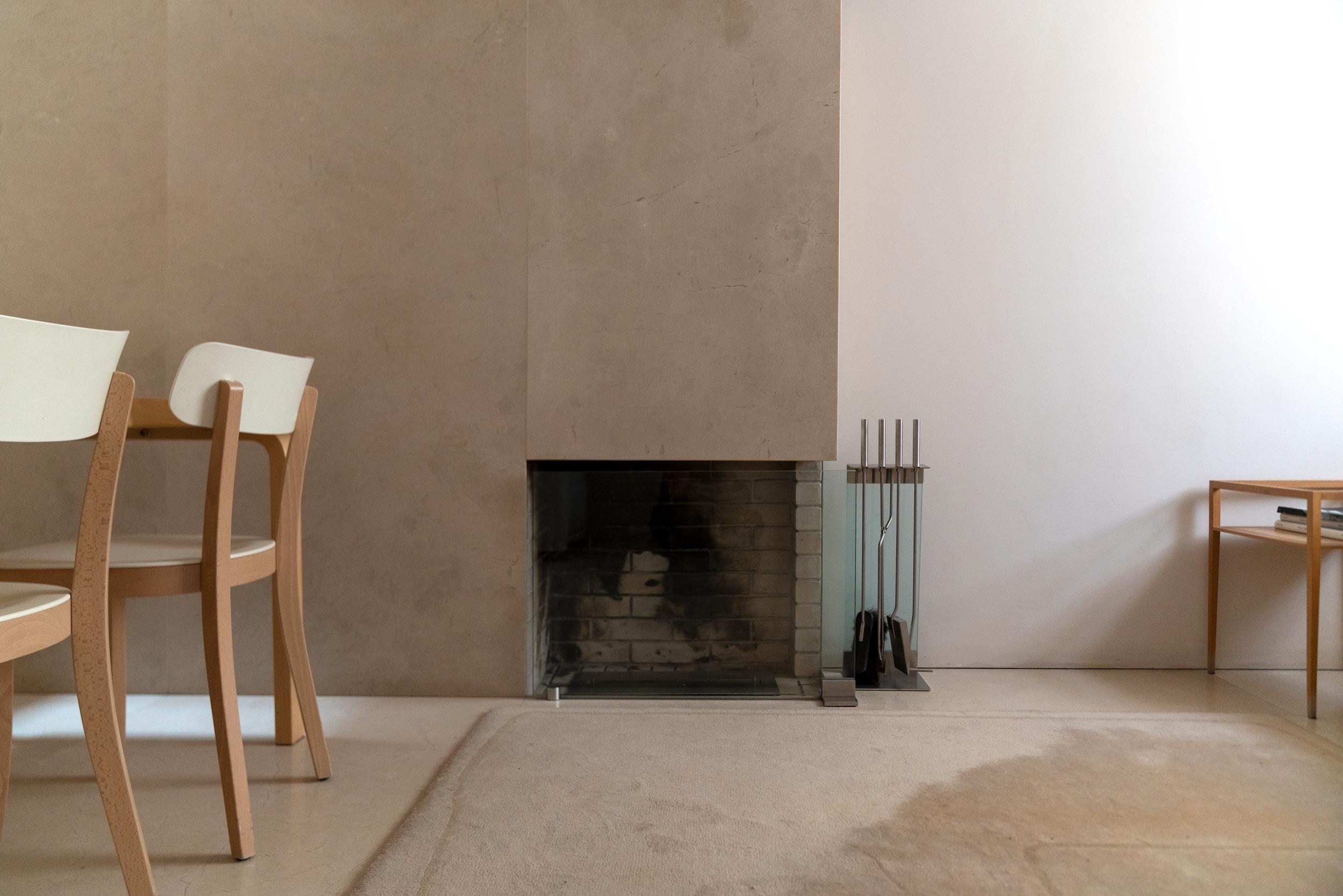 Fiona-Burrage-casa-1015-porto-norwich-photographer-fireplace.jpg