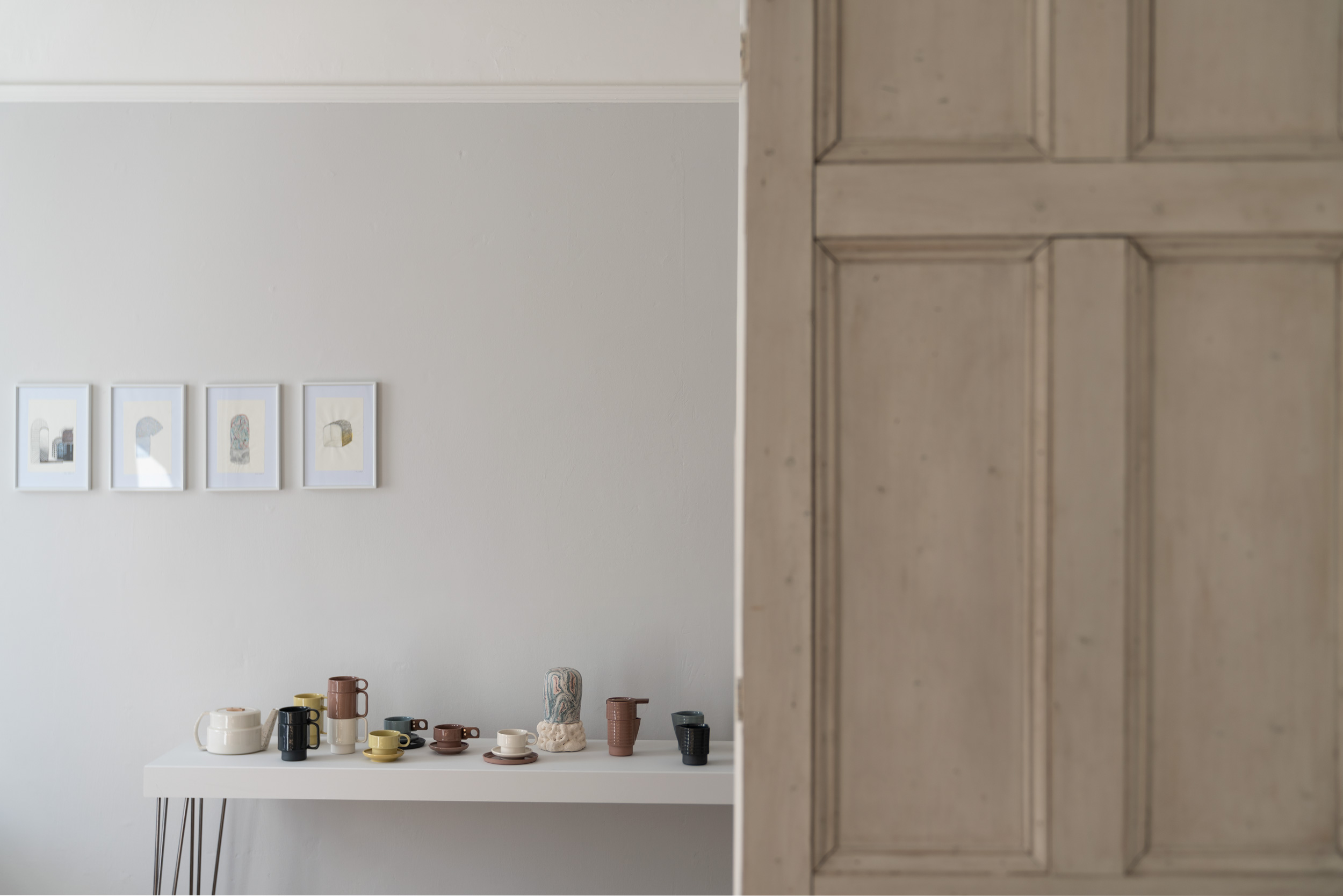Fiona-Burrage-Photography-Caroline-Fisher-Ceramics-door.jpg