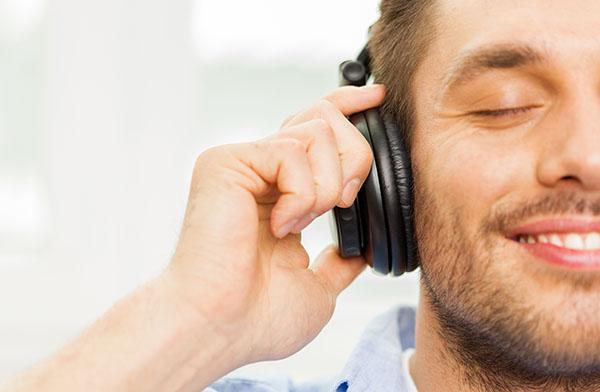 headphone smiling man.jpg